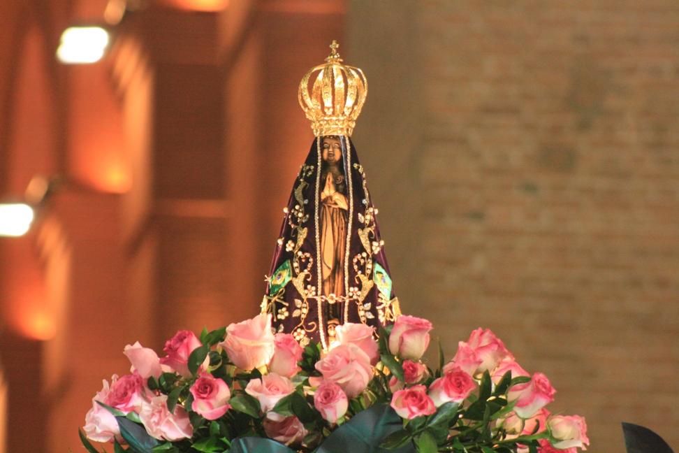 Imagens De Nossa Senhora Aparecida Com Mensagens: Um Anjo Contempla Meu Destino...: Nossa Senhora Aparecida