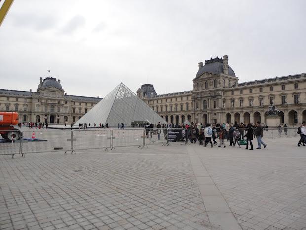 Louvre Paris Mona Lisa