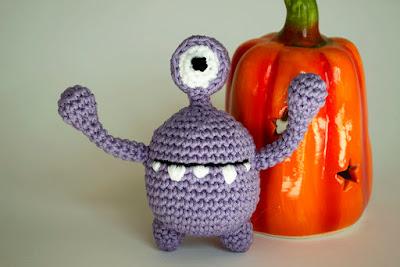 monstruo amigurumi halloween