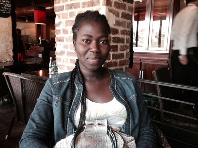 49c73df1647fb An African woman on the Seine   Une Africaine sur Seine by de Ndèye Marame  Guèye – 60 years after   60 ans après, L Afrique sur Seine by de Paulin  Soumanou ...