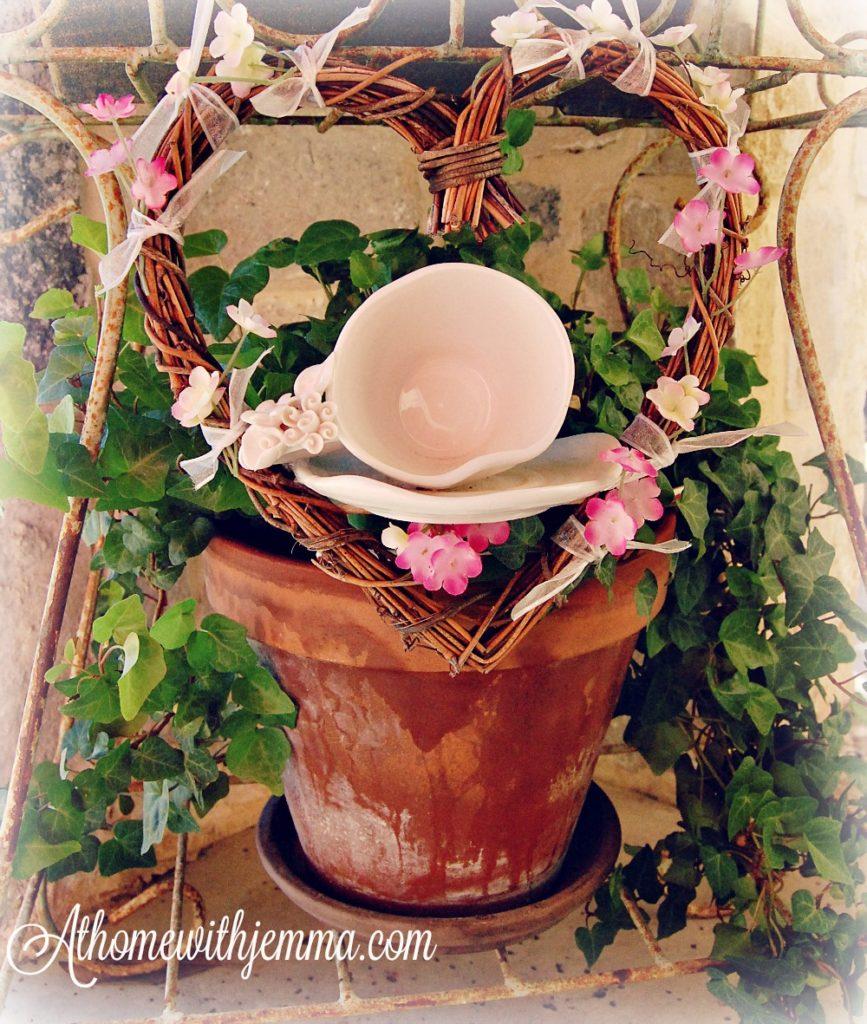 grapevine-wreath-teacup-garden-decorating
