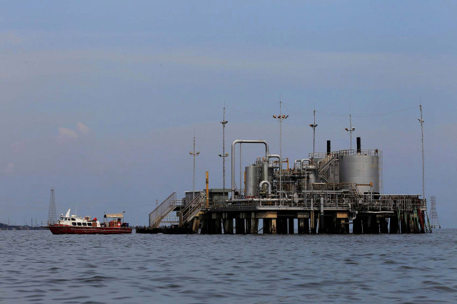 El gobierno bolivariano importará más gasolina por problemas en las operaciones de refinerías