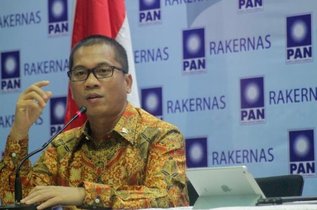 PAN: Jokowi Akan Gemetar Jika PDIP Kalah di Jawa