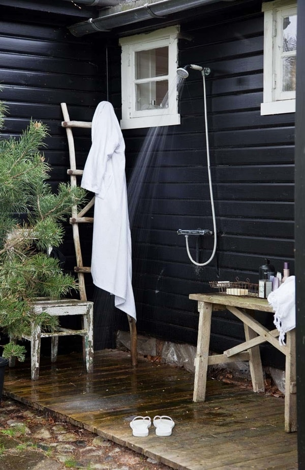 Fall In Love With Outdoor Showers - How To Build 11