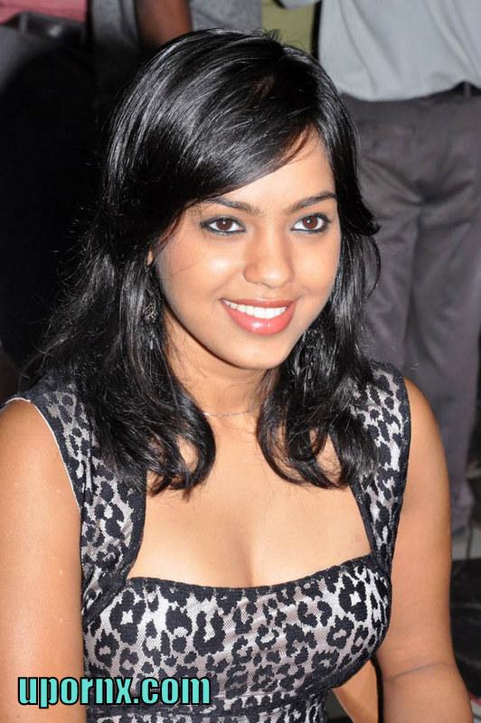 Bhuvaneswari Item Girl Mallu Aunty Spicy Bikini Cute Hot
