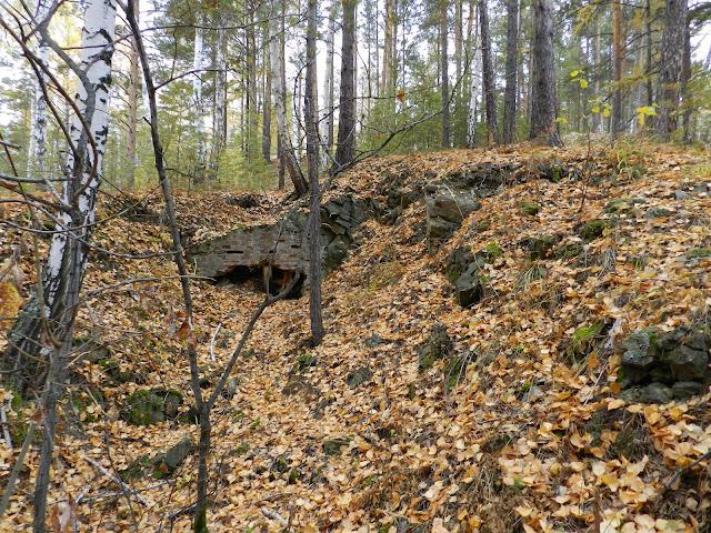 Кирпичная кладка в одном из рвов на юго-западном склоне горы Егоза