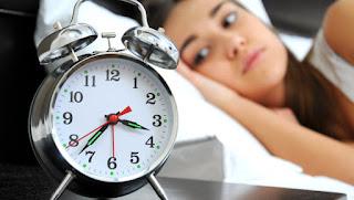 النوم المتقطع اثناء الليل هذا هو السبب والحل