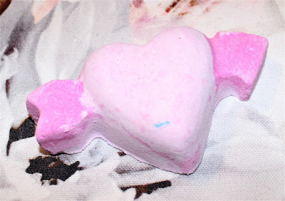 Lush Cupid Bath Bomb