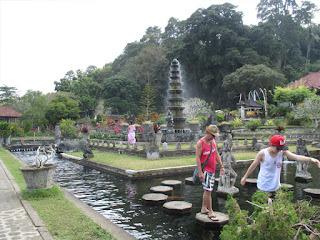 Inilah Tempat Wisata Keren Dekat Taman Tirta Gangga Bali