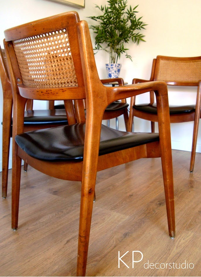 Sillas segunda mano antiguas. Sillas danesas de madera. Estilo escandinavo.