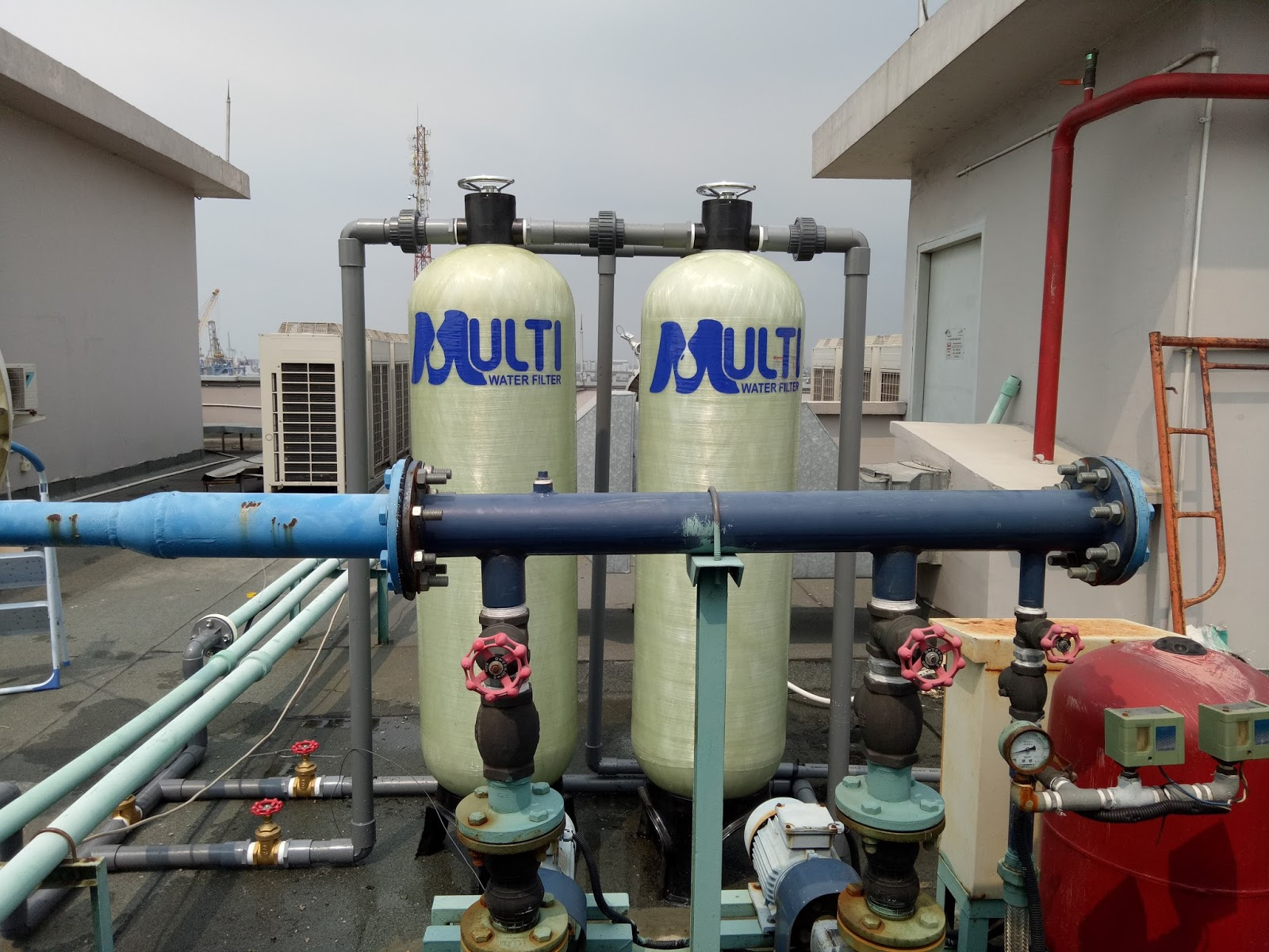 Diatas Gedung Filter Air Di Pelabuhan Tanjung Priok Filter Air Multi