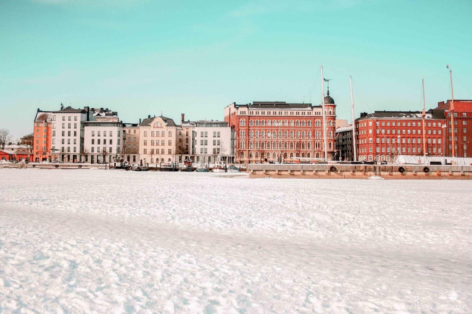 My Travel Background : 2 jours pour découvrir Helsinki, la capitale de la Finlande - Marche sur la mer Baltique, port gelé