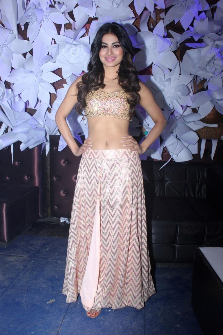 Tv Actress Mouni Roy Navel Hip Show In Pink Dress