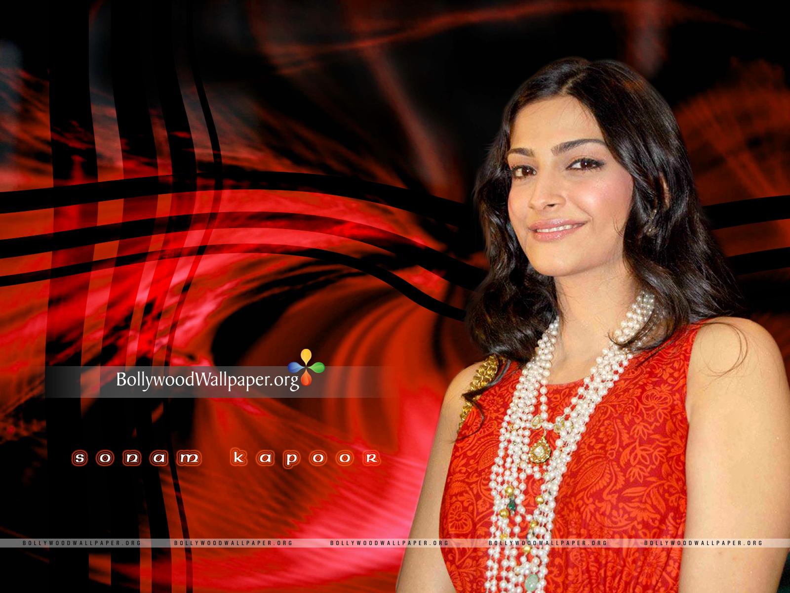 Sonam Kapoor Wallpapers: Sonam Kapoor Beautiful HD Wallpapers