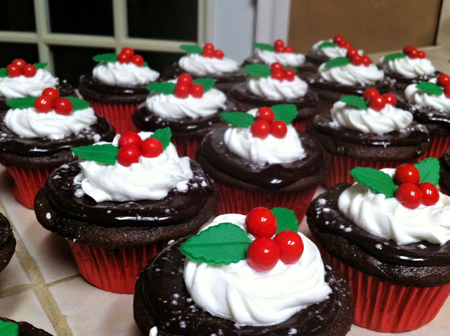 Christmas Holly Berry Chocolate Peppermint Cupcakes 2