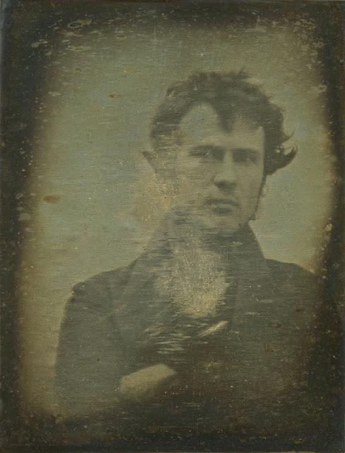 De allereerste selfie ever! Uit 1839
