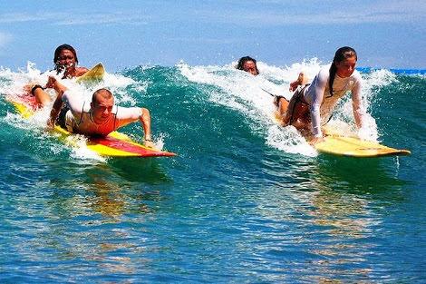 Pantai Kuta Bali, pengalaman Sunset Sunrise Surfing