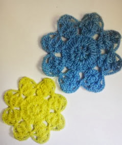 http://translate.google.es/translate?hl=es&sl=en&tl=es&u=http%3A%2F%2Fcrochetforyou.weebly.com%2F1%2Fpost%2F2013%2F11%2F8-petals-flower-motif.html