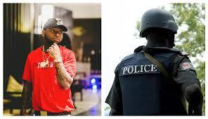 Drama!: Davido's Police Escorts Locked up in Lagos.