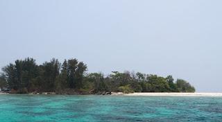 http://www.teluklove.com/2017/04/destinasti-objek-wisata-pulau-dua-timur.html