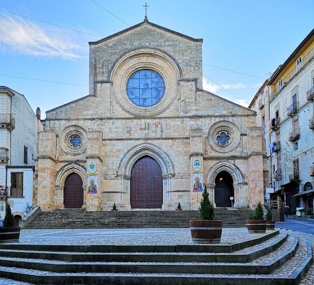 Il Duomo di Cosenza nel centro storico