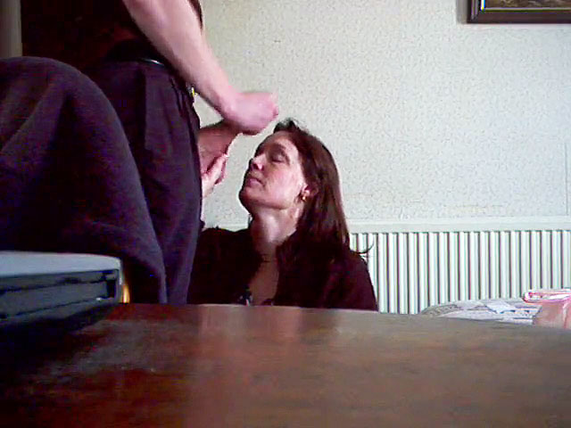 son masturbates and cum on his mother's face