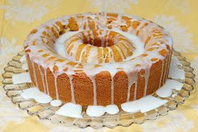 Lemon Glaze Cake With Apricot Nectar