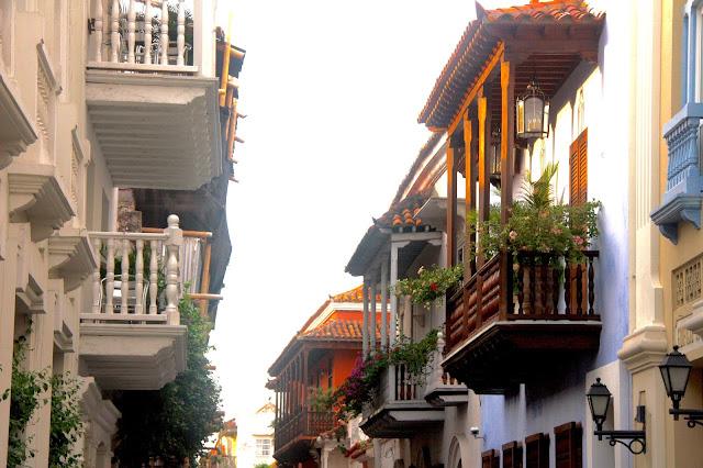 Sacadas com influência moura, em Cartagena das Índias