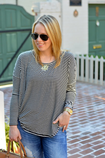 stripe-tee-casual-outfit-idea