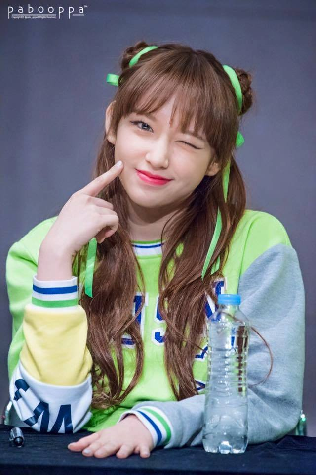 Cute Smile Wallpaper Fans Fall In Love With Wjsn Cheng Xiao S Sweet Smile