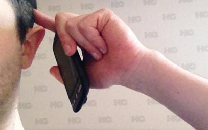 क्या मोबाइल से निकलने वाली किरणों से कैंसर हो सकता है जानिए उनके बारे में.  Mobile is helpful or not.