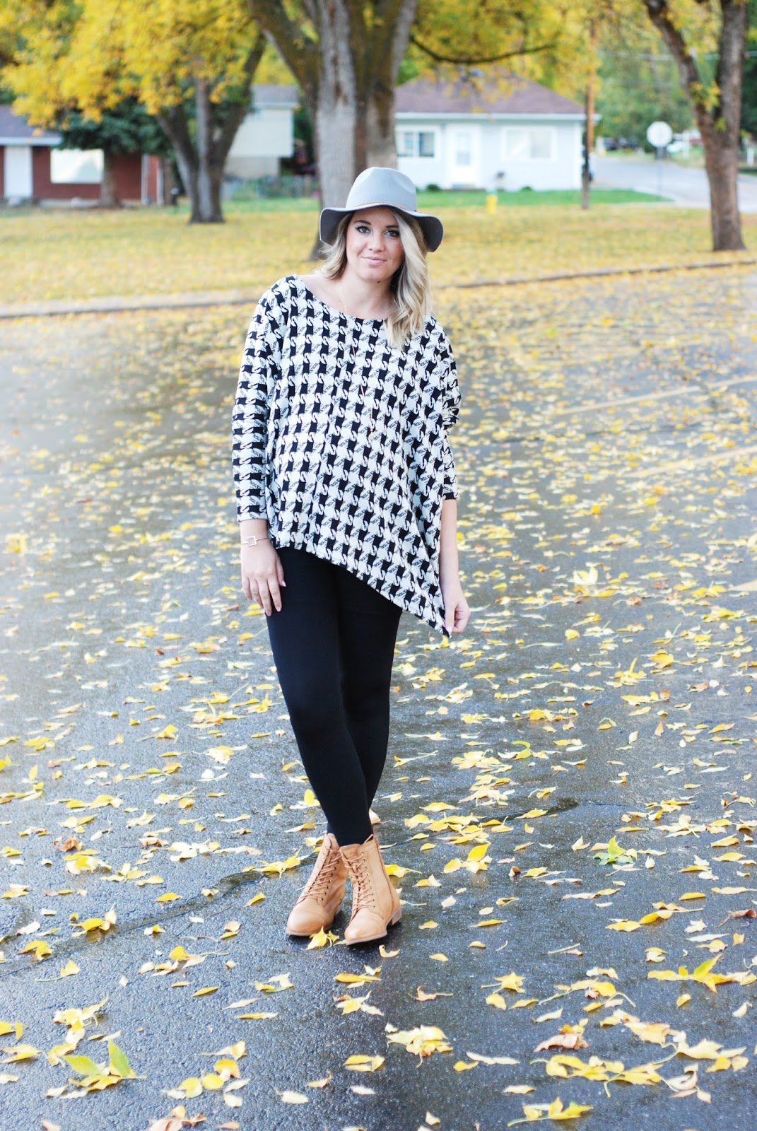 Fall Outfit, Utah Fashion Blogger, Poncho, Maternity Outfit