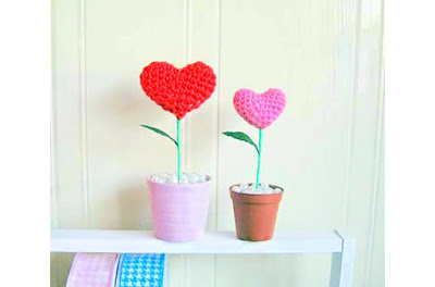 Amigurumi Crochet Heart plants