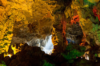 5 cave should arrive in Halong Bay 2