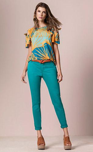 Maria.Valentina verão 2017 blusa estampada, calça skinny e cinto
