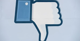 Facebook thử nghiệm nút downvote Cr- Thắng Blog