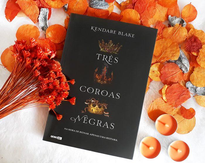 Resenha Livro Três Coroas Negras