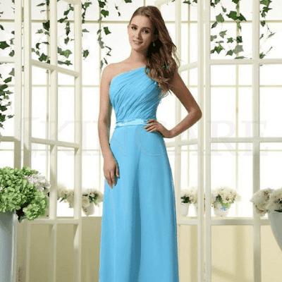 تنسيق المكياج مع الملابس باللون الازرق الفاتح