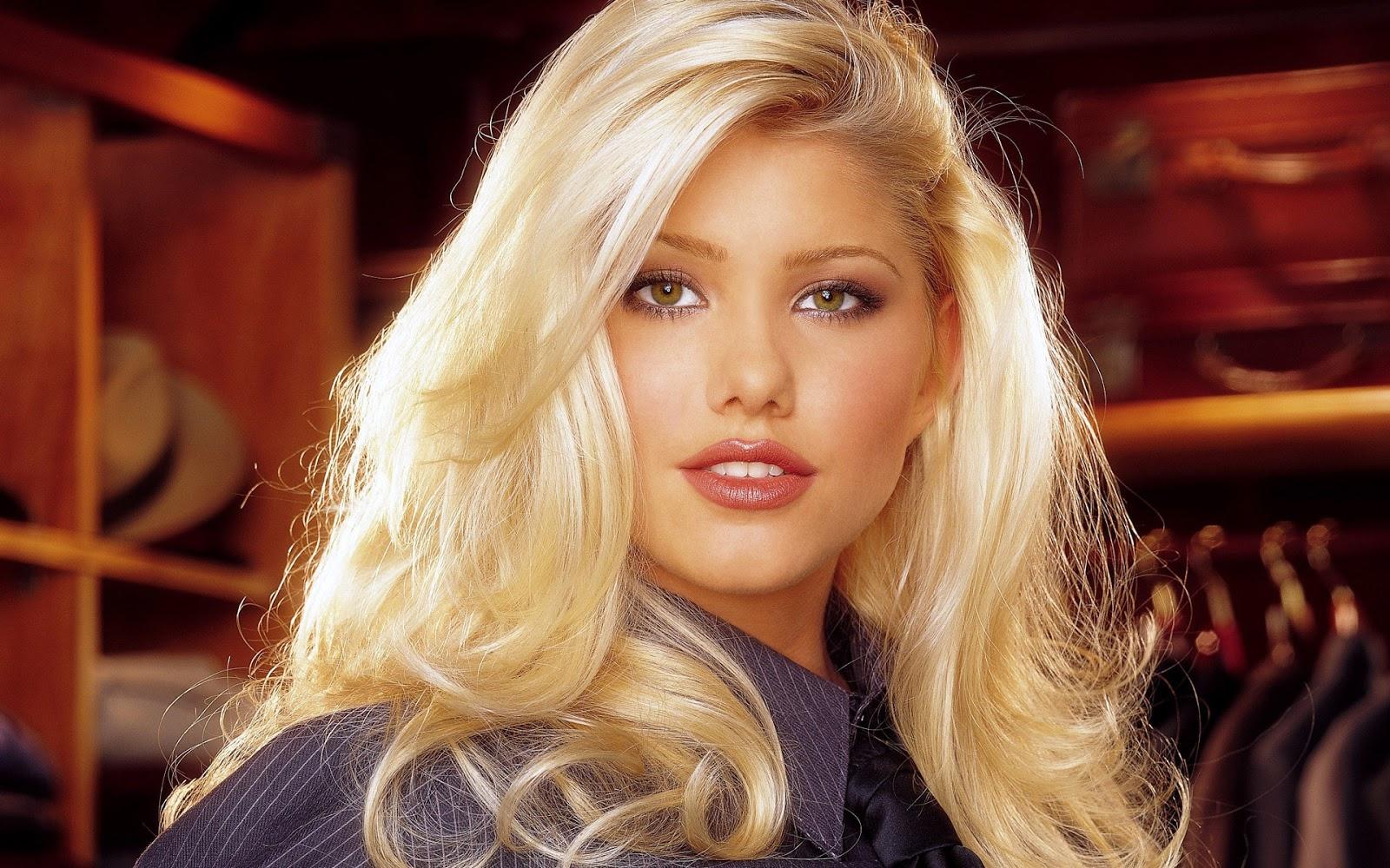 гламурная американка блондинка эякулятор, смазываю