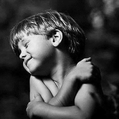 abrazo a uno mismo bilaketarekin bat datozen irudiak