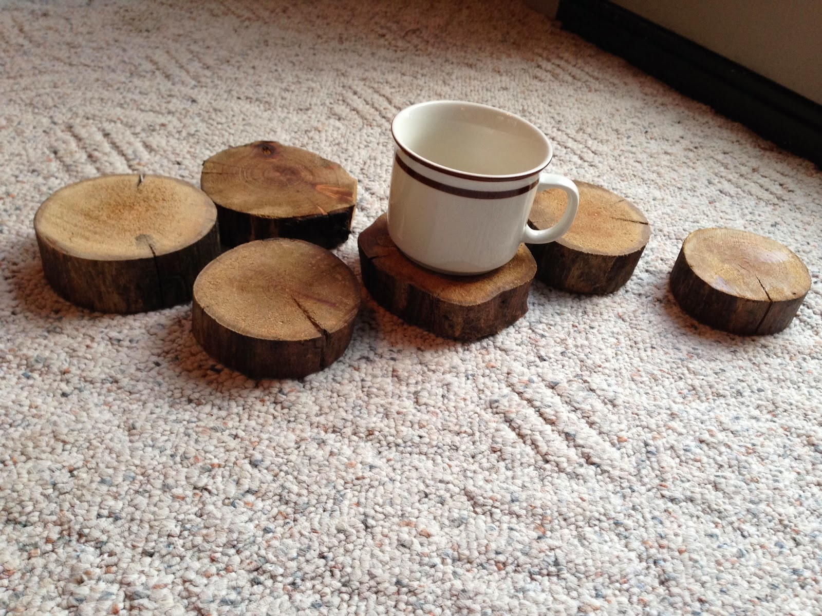 Brittany And Justin S Diy Wedding How To Make Small Wood Slices For