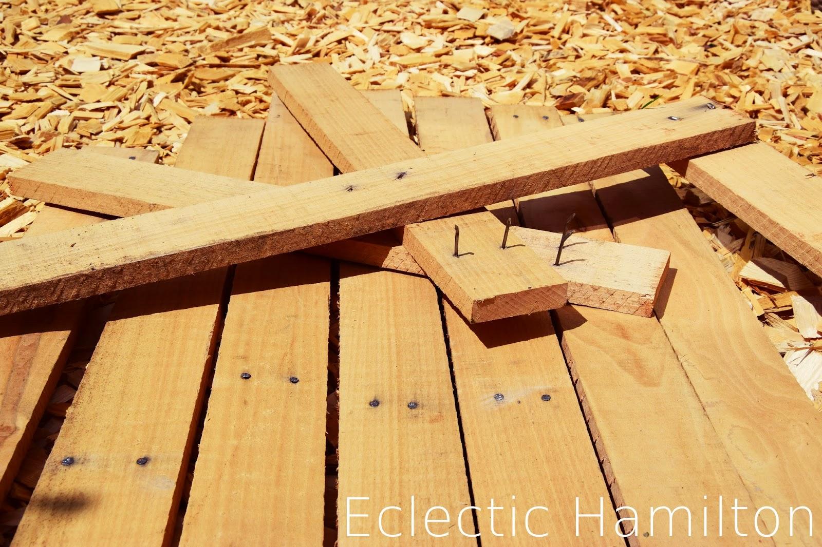 DIY Tisch Upcycling - Holzbretter für Tischplatte