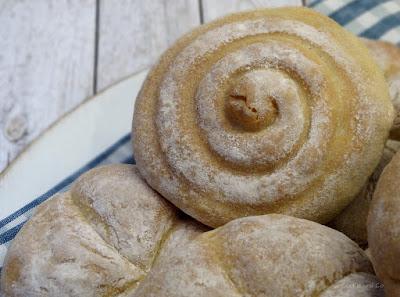 Buttermilch-Brötchen