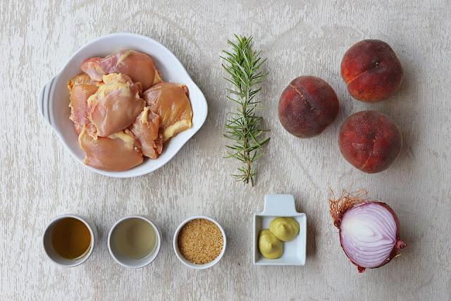 Υλικά Συνταγής για Κοτόπουλο με Ροδάκινα