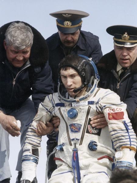 mir-cosmonauts-1