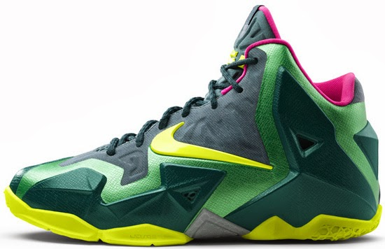 9711fd33d93 ... sweden lebron 11 gold and black youth 17239 d2b5e