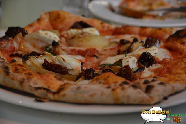 פיצה ים תיכונית נחמן Mediterranean pizza