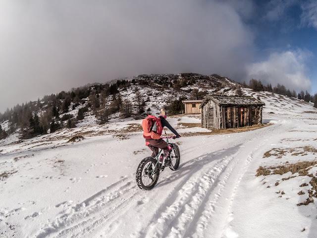 Steinach Winter Fatbike Auffahrt Blaser