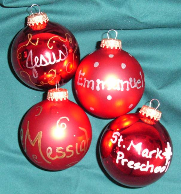 Christmas Decorations With Names On Them