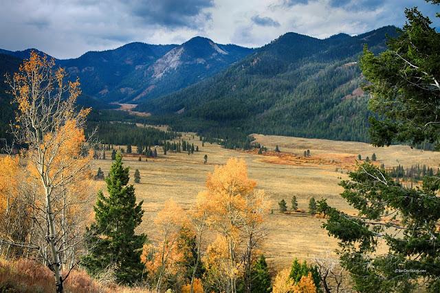 Salmon River Idaho geology field trip copyright RocDocTravel.com